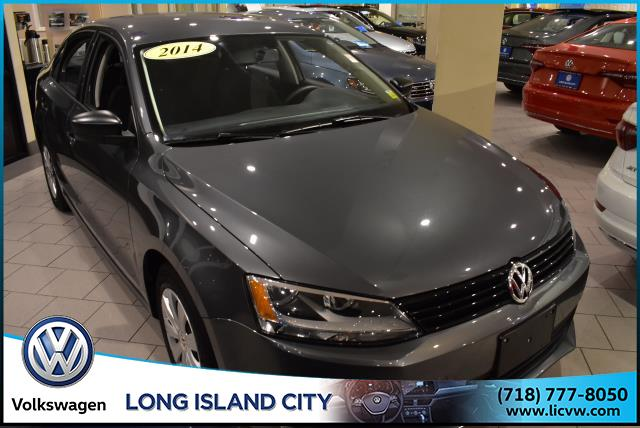 Certified Pre-Owned 2014 Volkswagen Jetta Sedan 4dr Auto S
