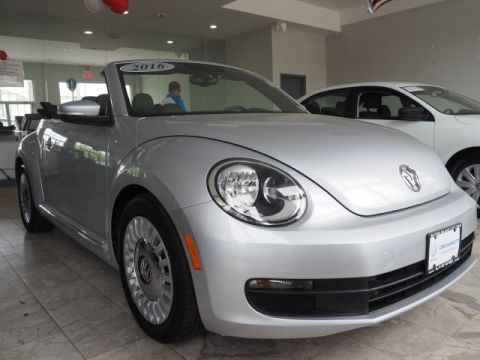 Pre-Owned 2016 Volkswagen Beetle 1.8T SE PZEV