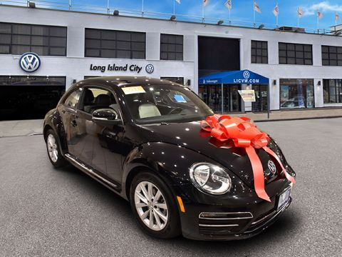 Certified Pre-Owned 2017 Volkswagen Beetle 1.8T SE Auto